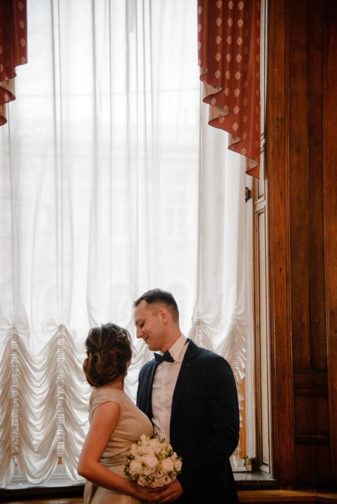 свадебная фотосессия в загсе на фурштадской