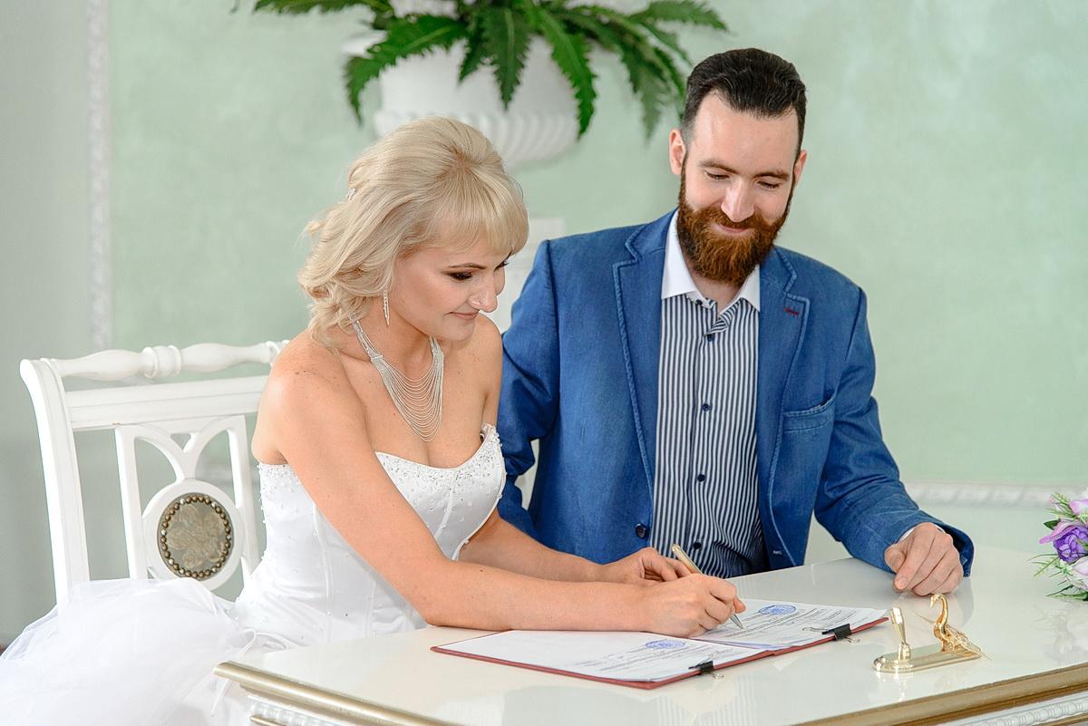 ИЗ ЧЕГО СОСТОИТ свадебная  ФОТОСЕССИЯ В ЗАГСЕ?